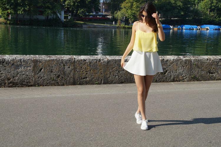 yellow_186_001