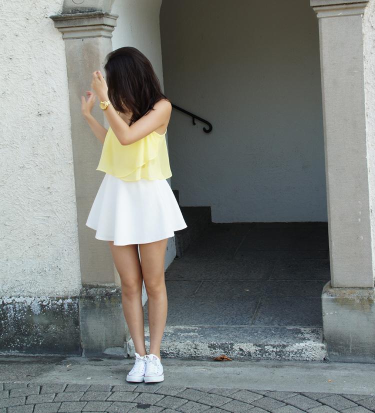 yellow_186_014