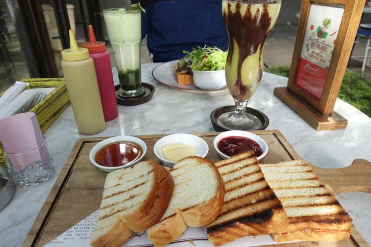 cafes_02_75